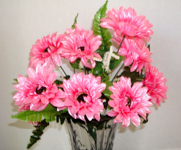 12 Daisy Pink Artificial Silk Flowers Bouquet modern-artificial-flowers-plants-and-trees