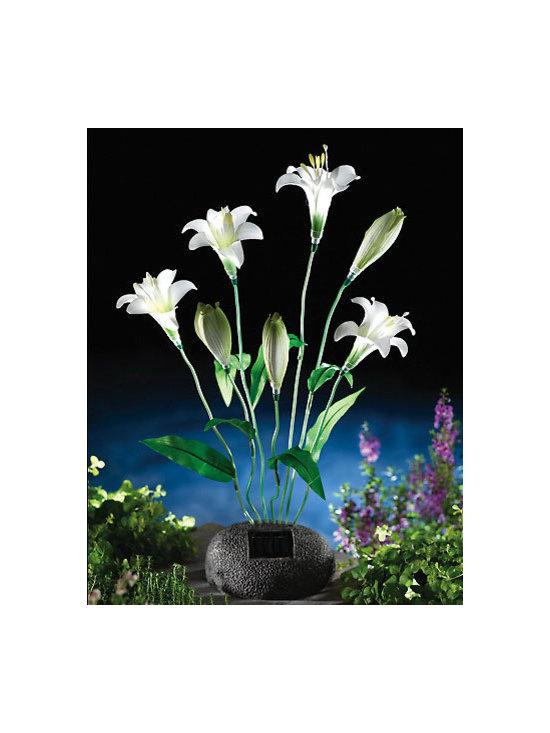 Solar Lily Bouquet Garden Statue -