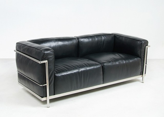 Le corbusier lc3 down feathers relaxed sofa reproduction for Le corbusier sofa replica