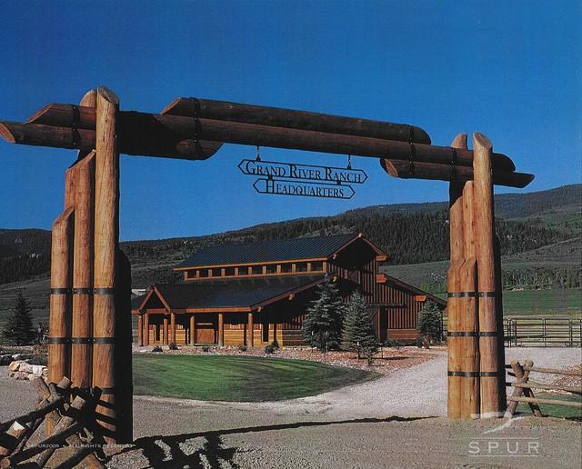 Grand river ranch entry for Ranch home entryway design ideas