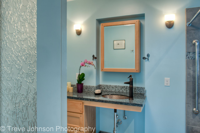 Universal design in Oakland traditional-bathroom
