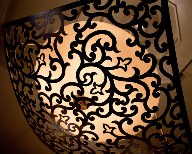 Master bedroom light fixture close-up traditional