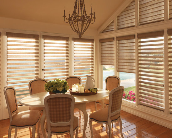 Pirouette® window shadings with UltraGlide® - Hunter Douglas Pirouette® Collection Copyright © 2001-2012 Hunter Douglas, Inc. All rights reserved.