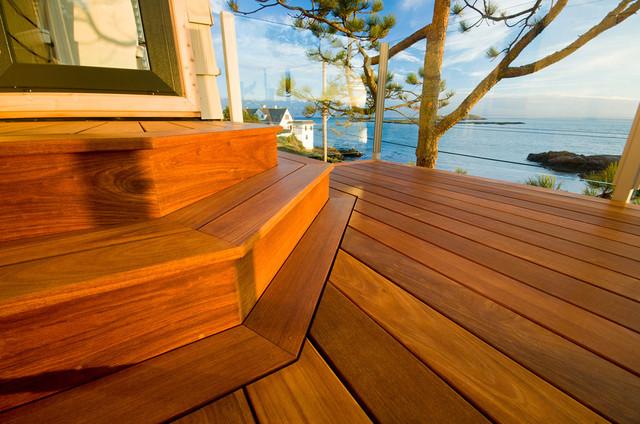 Waterfront Deck - Beach Drive modern