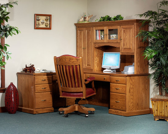 Highland L-Desk with 825 Hutch -