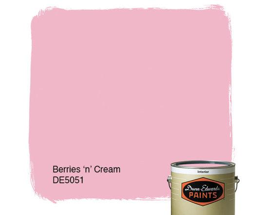 Dunn-Edwards Paints Creamy Berries 'n' Cream DE5051 -