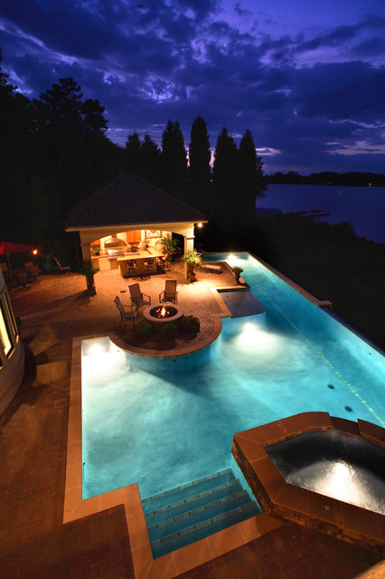 Lake House mediterranean-pool