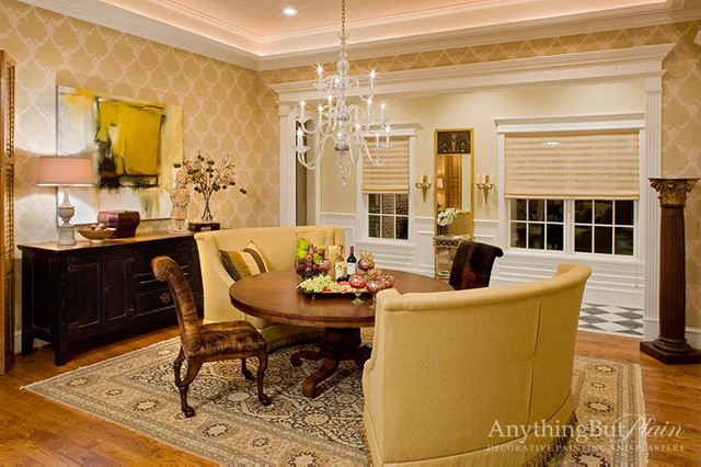 Textural Walls with Damask Pattern wall-stencils
