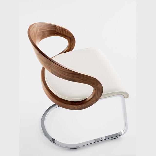 Girado Chair contemporary-living-room-chairs