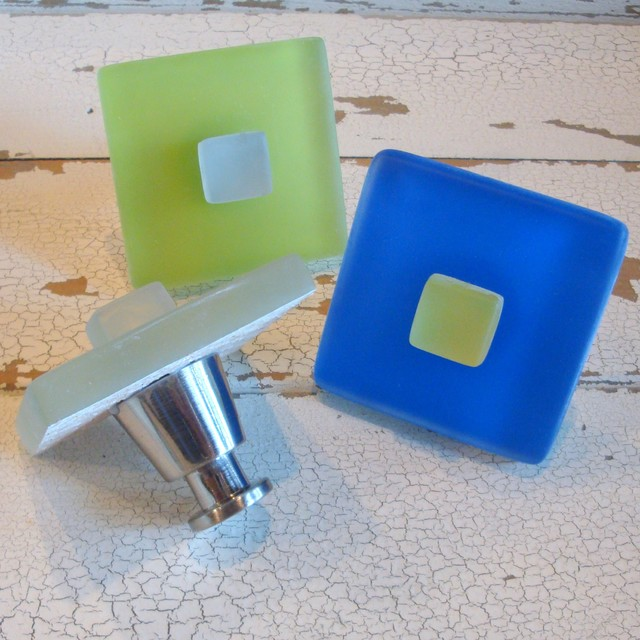 Beach Glass Cabinet Pull Knob Hardware beach-style-cabinet-and-drawer-knobs