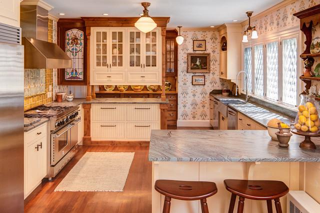 Island Estate traditional-kitchen