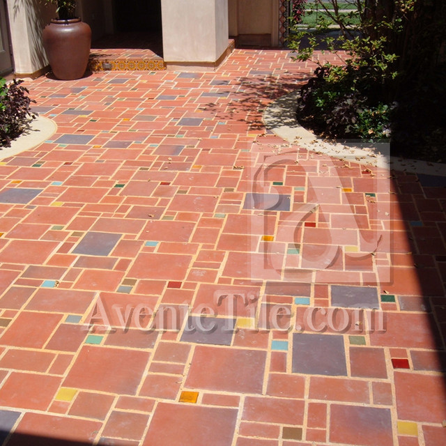 Random Patterned and Sized Rustic Pavers mediterranean