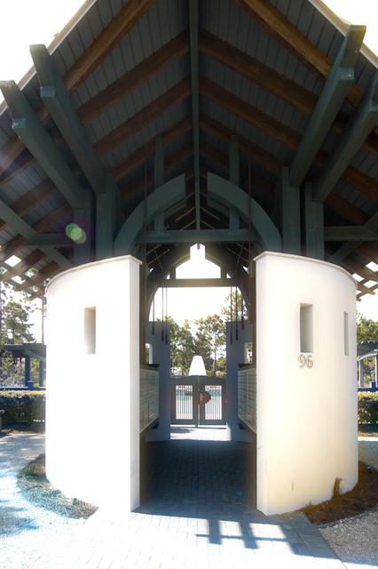 Poolhouse 1 & 2 contemporary
