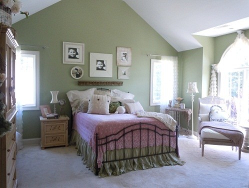 Bedrooms traditional-bedroom