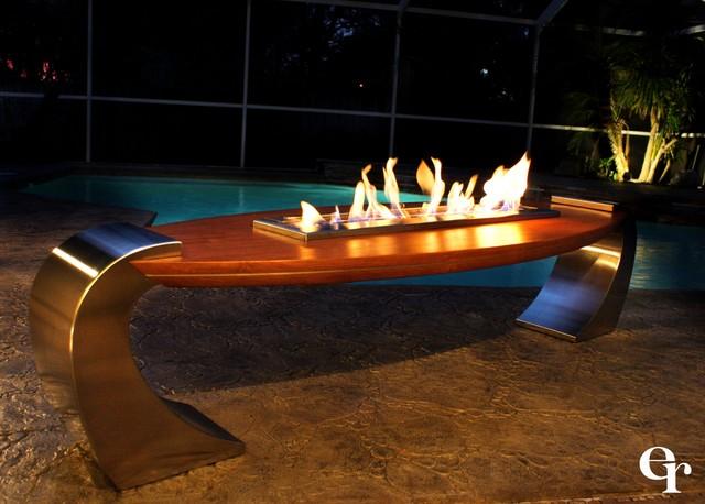 Board Fire Table modern-firepits