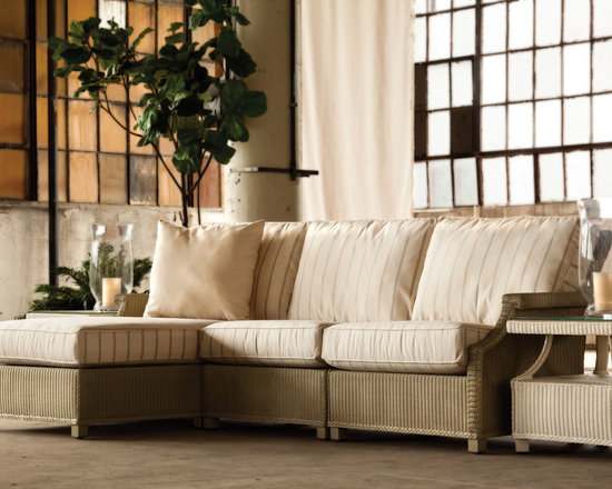 Lloyd Flanders Hamptons Collection Seating - The Hamptons provides untouched class and versatility. Pair a chaise, love seat and end table together for this intimate conversation nook.