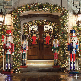 Classic outdoor pre lit garland traditional wreaths Outdoor christmas garland ideas