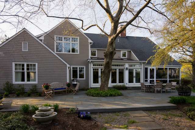 Before and after 39 70s colonial gets modern update for Modern 70s house