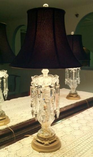 Flori de Leon traditional-table-lamps