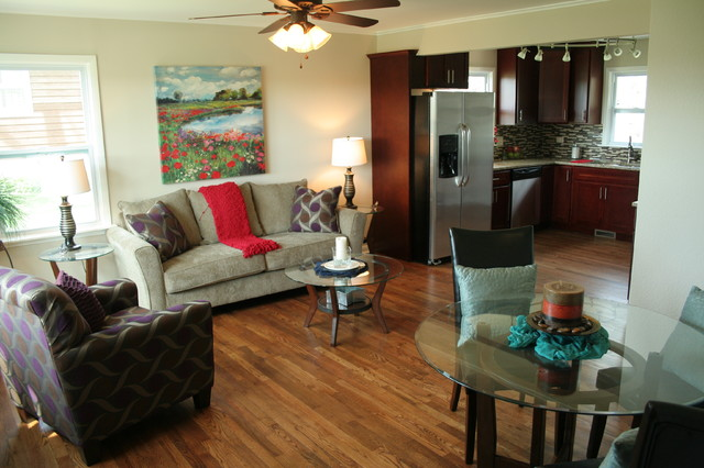Lake In the Hills, IL-Vacant Home Staging