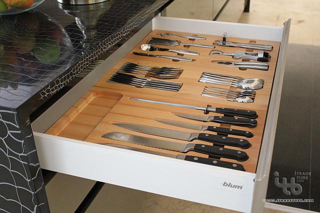 contemporary kitchen modern-kitchen-cabinets