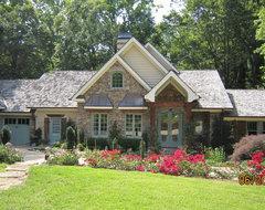 Pamela Foster & Associates, Inc. traditional-exterior