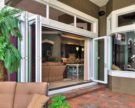 Bear Lake Residence - Aluminum Aluminum Wood bi-fold system