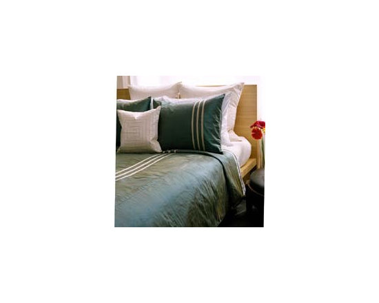 Rocco Silk Stripe Bedding Set by Jiti Bedding - Lush doesn`t have to mean loud. With 100% silk bedding you can surround yourself in luxurious exotic colors and textures without the garishness that often gets passed off as multiculti design.