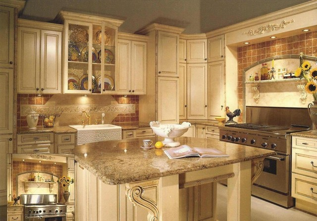 Paint kitchen cabinets antique for Antiquing painted kitchen cabinets