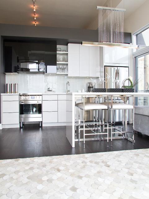 Jade Waterfront Condo modern-kitchen