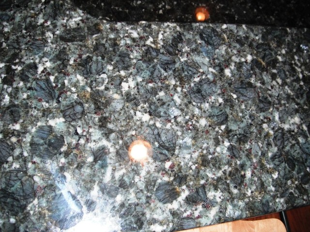Verde Butterfly Granite With White Kitchen Cabinets