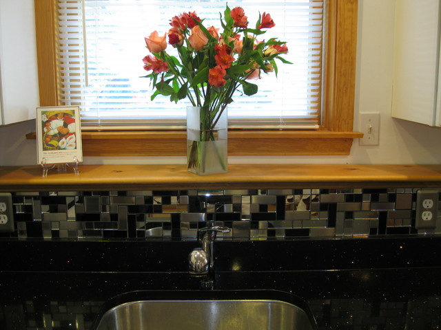 Black & Silver Backsplash traditional-kitchen