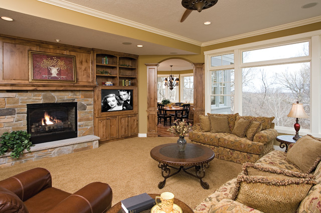 The Wilds Award-winner traditional-family-room