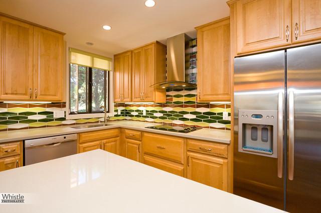 5076diamondheights-kitchen2-960res traditional-kitchen