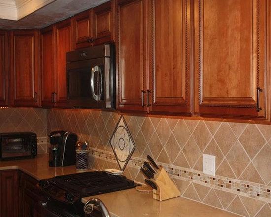 Brown Kitchen Cabinets | Sienna Rope Door Style | Kitchen Cabinet Kings -