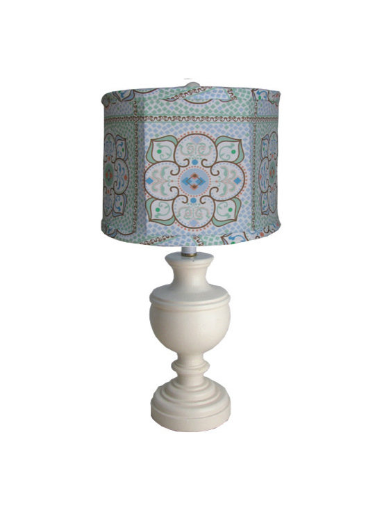 Table lamps for Children, Kids and Nursery Decor - Belle and June's collection of baby and children's table lamps are so gorgeous, you'll want one for your guest bedroom too! Available in vintage, shabby chic, and traditional styles, you'll find the perfect lamp to create a cozy ambiance perfect for bedtime stories.