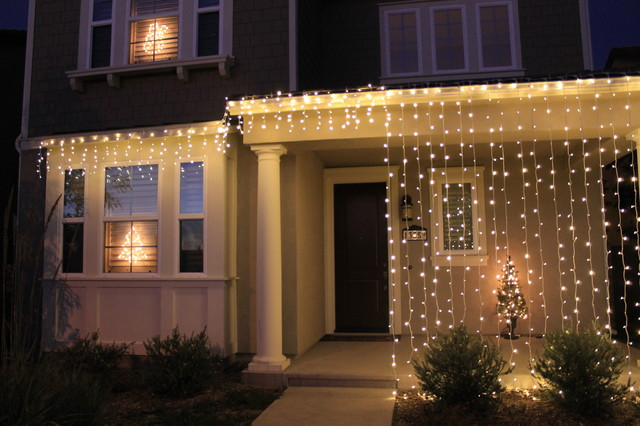 Christmas home decorations modern exterior san diego for Exterior xmas lighting ideas