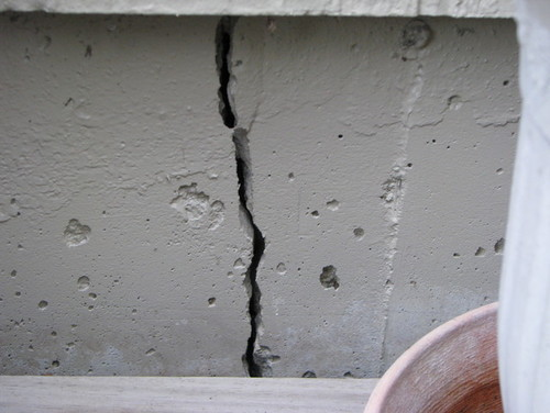 Crack in garage foundation How to fill a crack in the wall