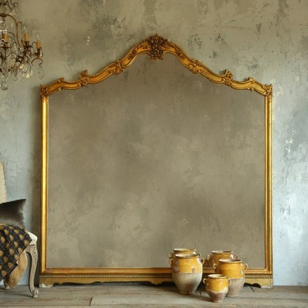 Eloquence collection vintage floor mirror in gold gilt for Gold standing mirror