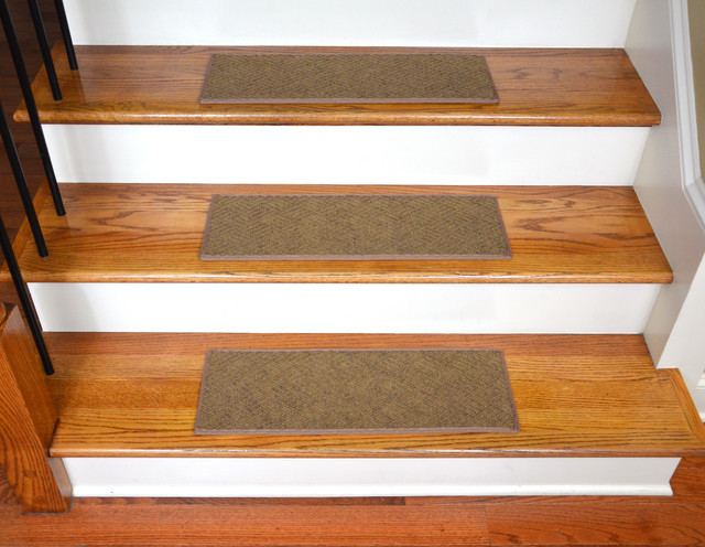 Dean Indoor Outdoor Pet Friendly Non Slip Carpet Stair Treads Contour 15 Be Contemporary