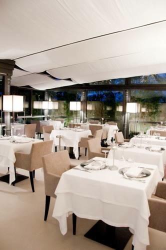CASA GRIGIA contemporary-dining-room