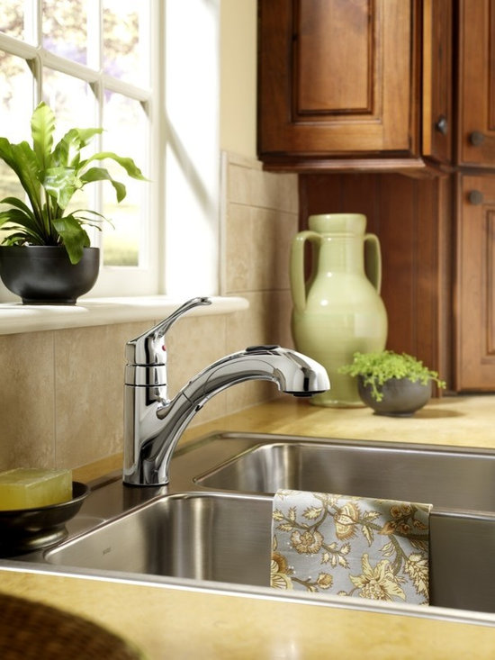 Pull-out Kitchen Faucet - Moen 87316 Renzo Single Handle Pullout Kitchen Faucet