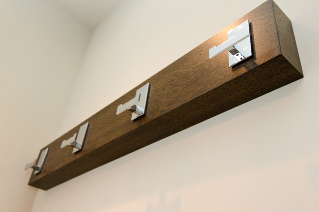 Anmore / New construction wall-hooks