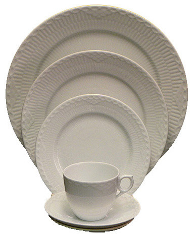 Royal Copenhagen White Half Lace 5-Piece Place Setting transitional-dinnerware-sets