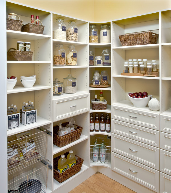 Organized Pantry Shelving