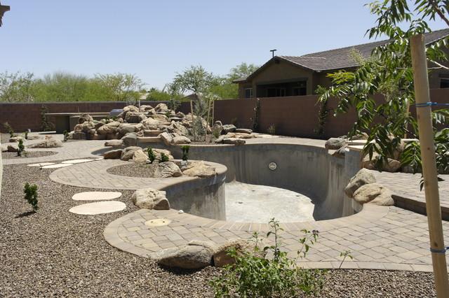 constr. traditional-patio