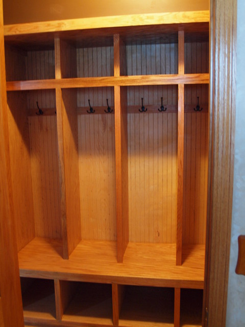 Custom Built In Mudroom Lockers