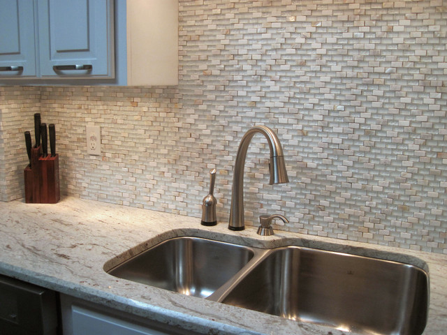 Brick Pattern Cloud White Glass With Marble And Sea Shell Mix Tile contemporary