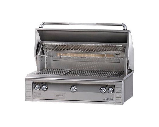 Alfresco 42''lx2 Built-in Grill, Stainless Steel Liquid Propane | ALX2-42LP - Three high-temp stainless steel main burners producing 82,500 BTUs. Optional Sear Zone with 27,500 BTU ceramic infrared burner.