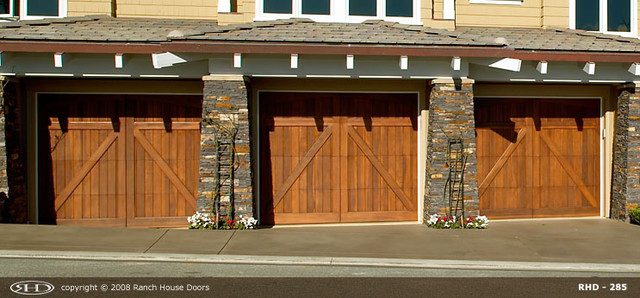 Ranch house doors product overview garage doors orange for Ranch house garage doors